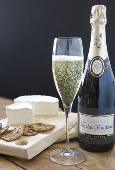 ost och champagne